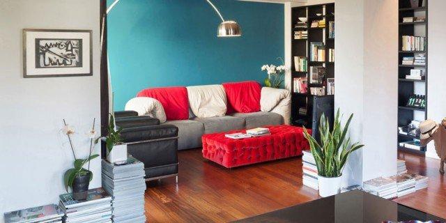 Una casa che punta sui contrasti e sul design