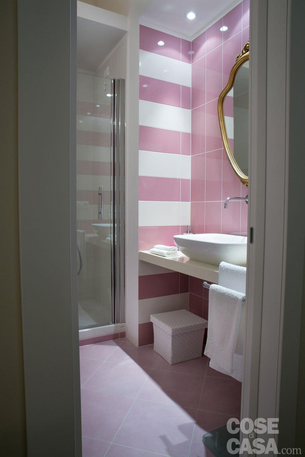 Una casa new classic a tinte vivaci cose di casa for Piccoli piani di casa gratuiti