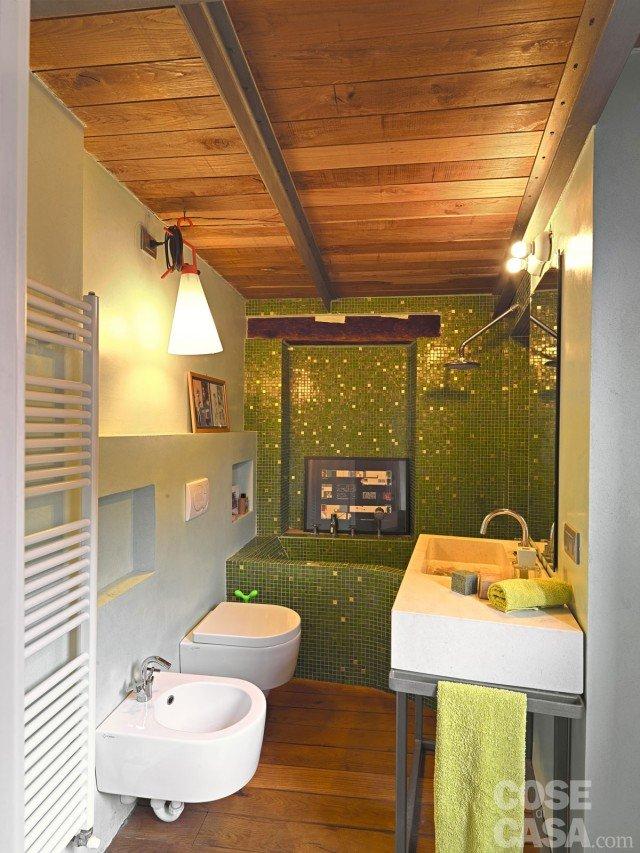 65 mq una casa che si sviluppa in verticale cose di casa - Rivestimenti bagno prezzi al mq ...