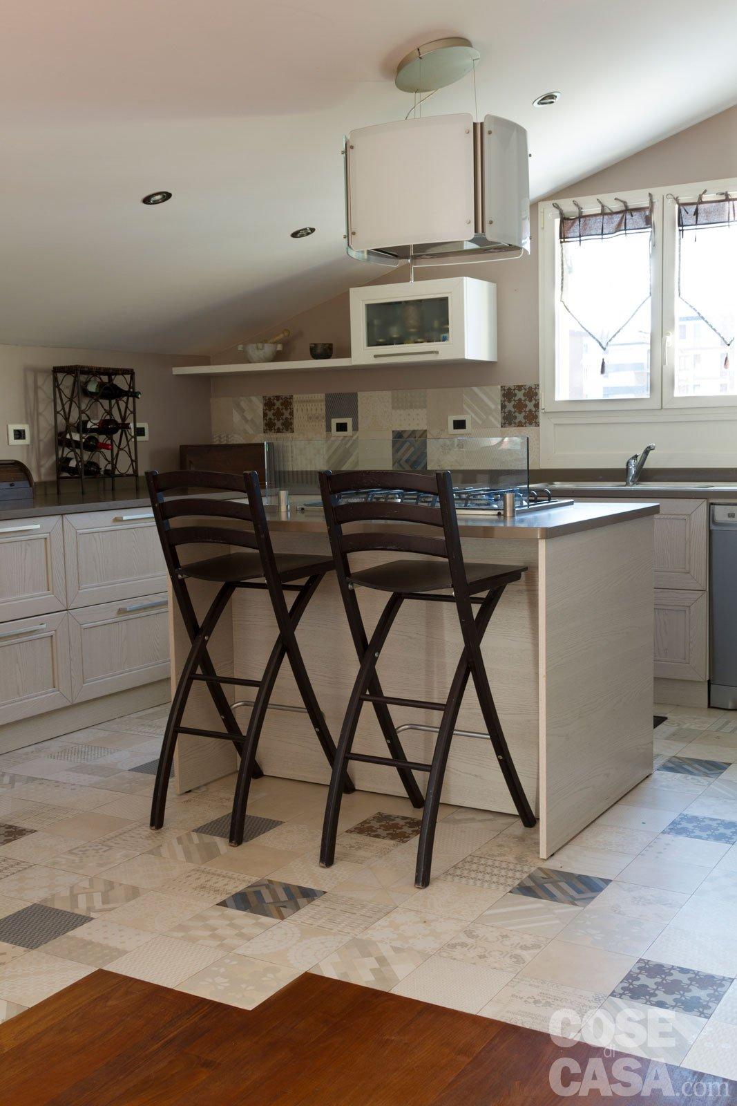 Da sottotetto a mansarda abitabile un progetto a misura di famiglia cose di casa - Cucine per mansarde basse ...