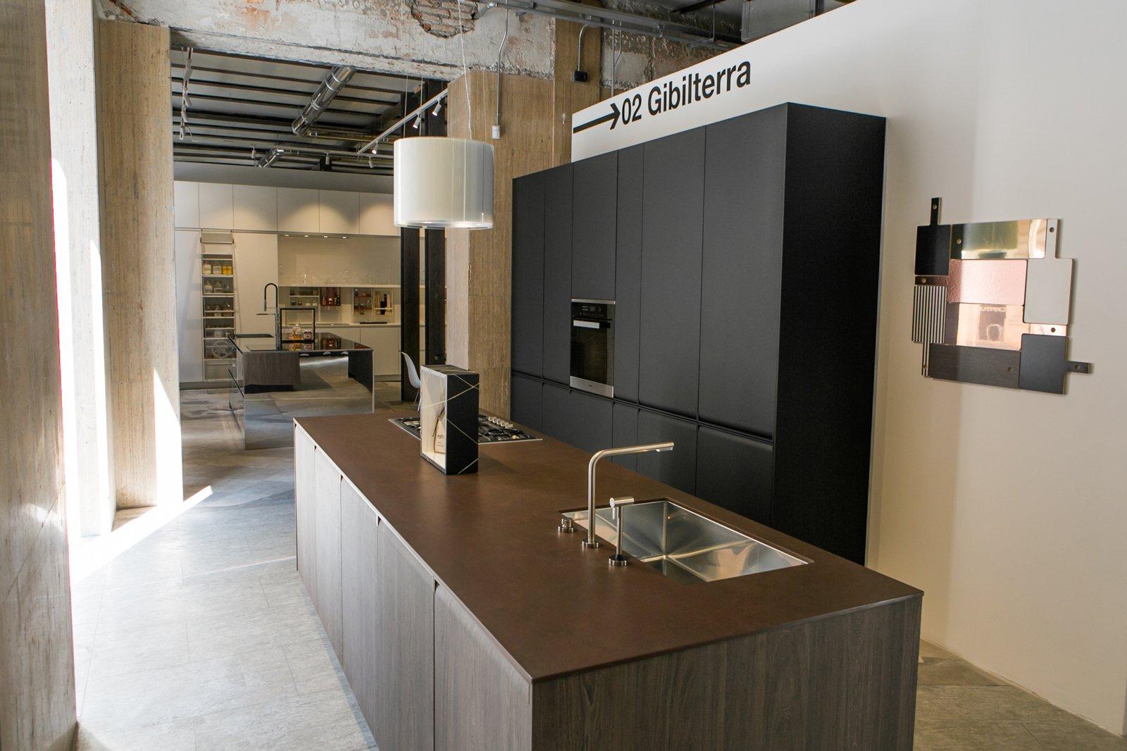 Cucina lineare da esposizione for Cerco cucina componibile