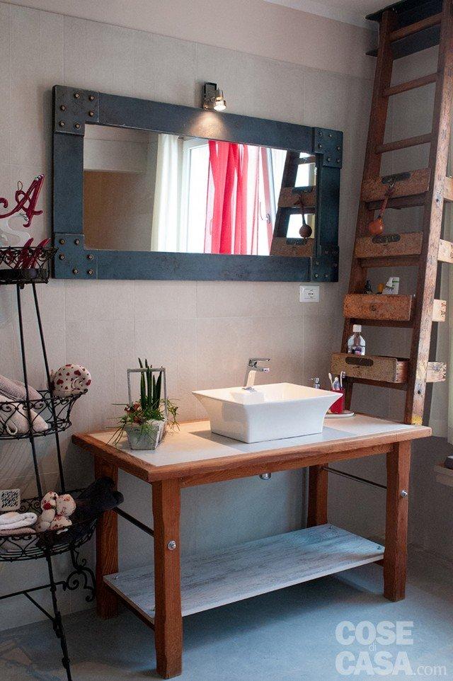 Da vecchio laboratorio a casa con atmosfere da loft cose di casa - Mobile sottolavabo bagno fai da te ...