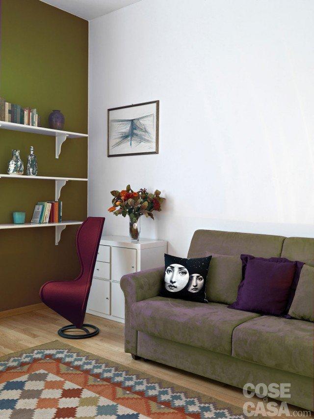 Pitturare le pareti i trucchi che ingannano l occhio for Parete rossa soggiorno