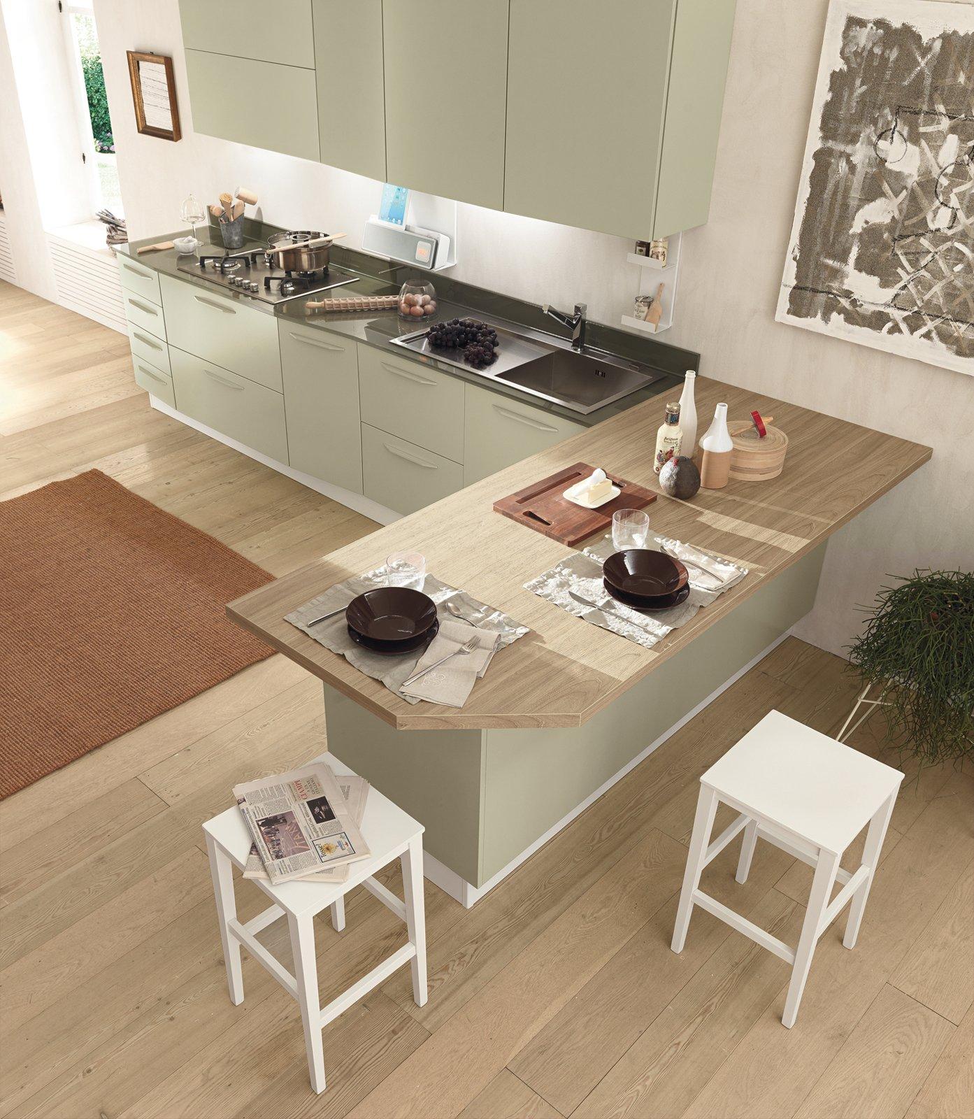 Cucine con grandi piani di lavoro cose di casa for Moderni piani di casa eco