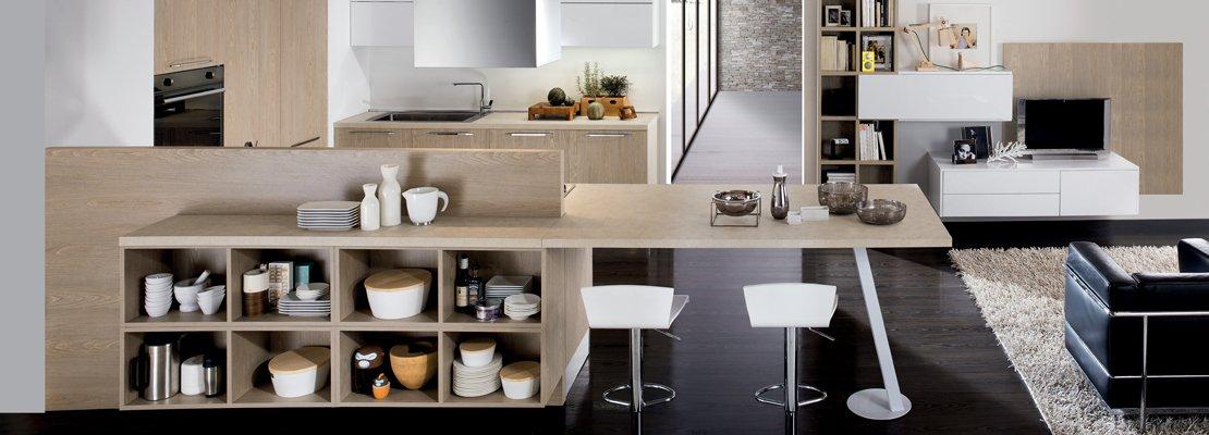 Cucine con grandi piani di lavoro cose di casa for Piani di casa con dispensa maggiordomi