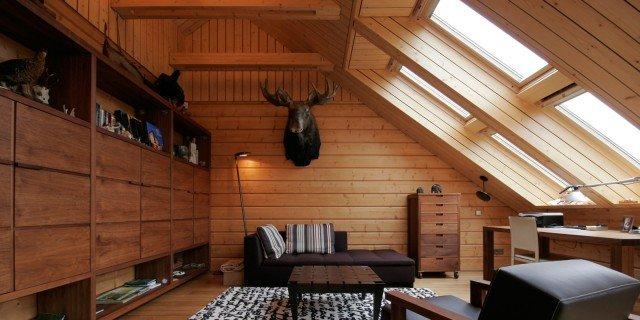 Mansarda effetto legno cose di casa - Camera da letto sottotetto ...
