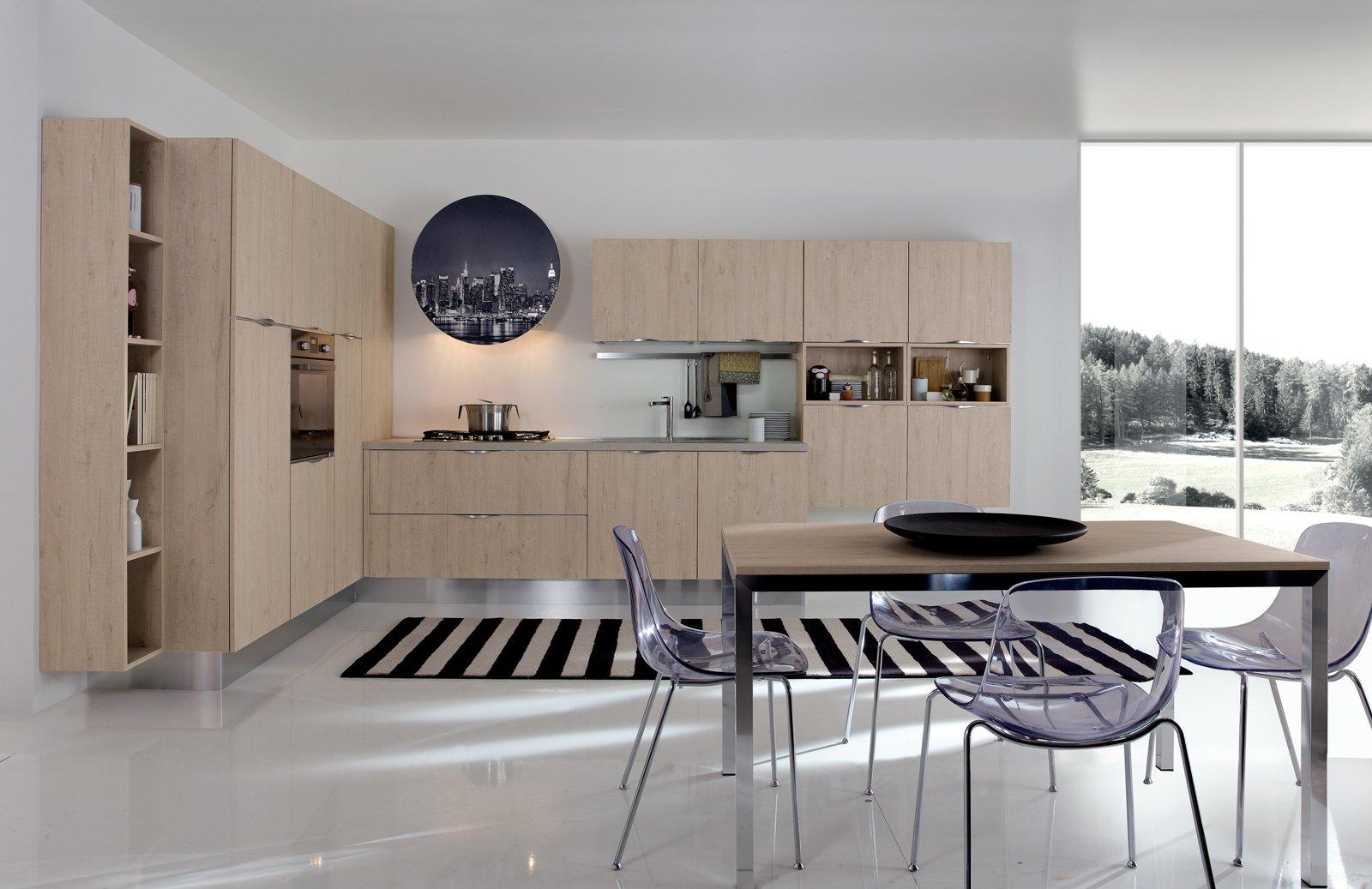 Cucine con armadiature a colonna per contenere di pi for Www nuovo modello di casa