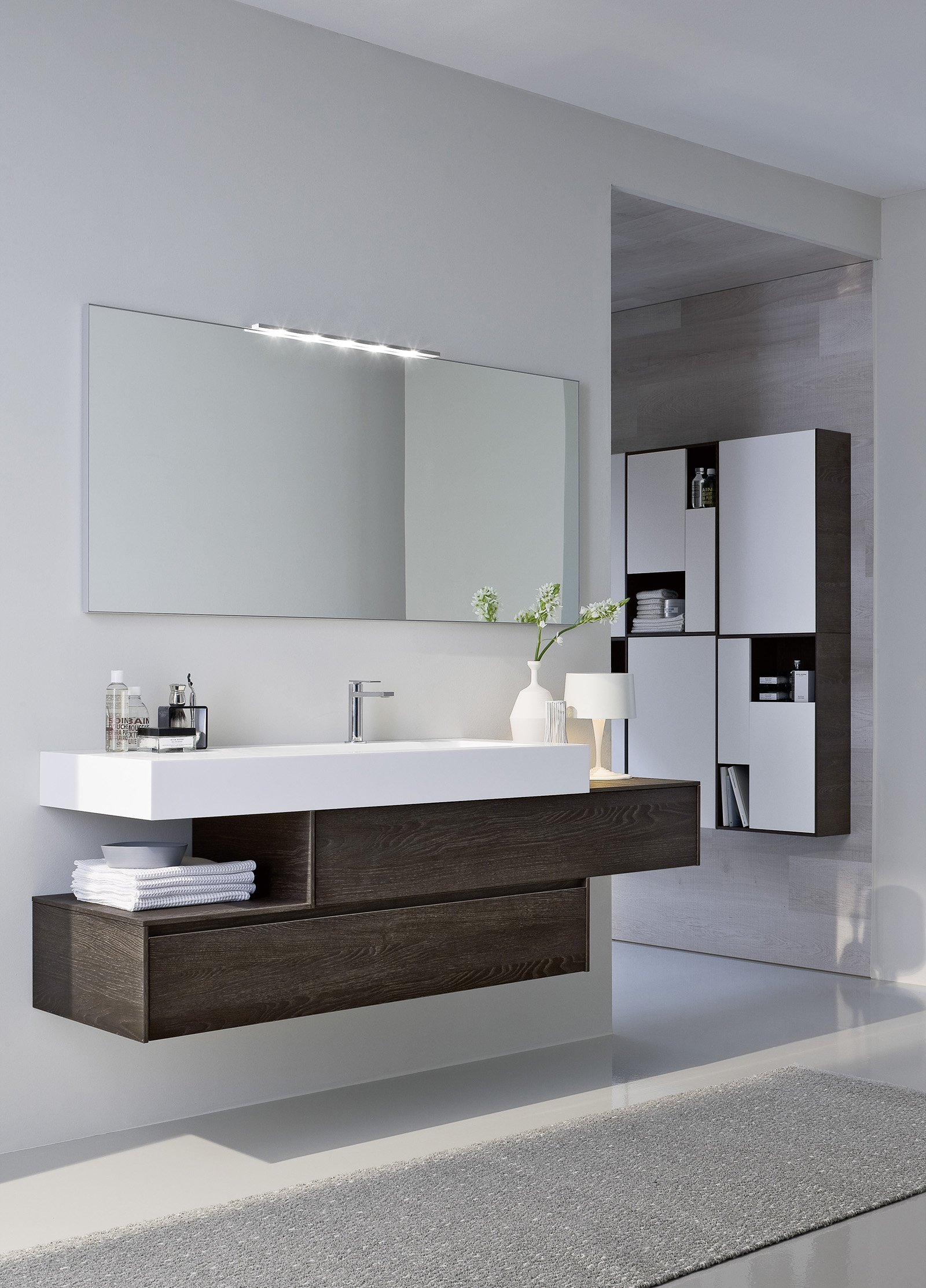 Ristrutturare il bagno dalle piastrelle allo - Mobili per lavandino bagno ...