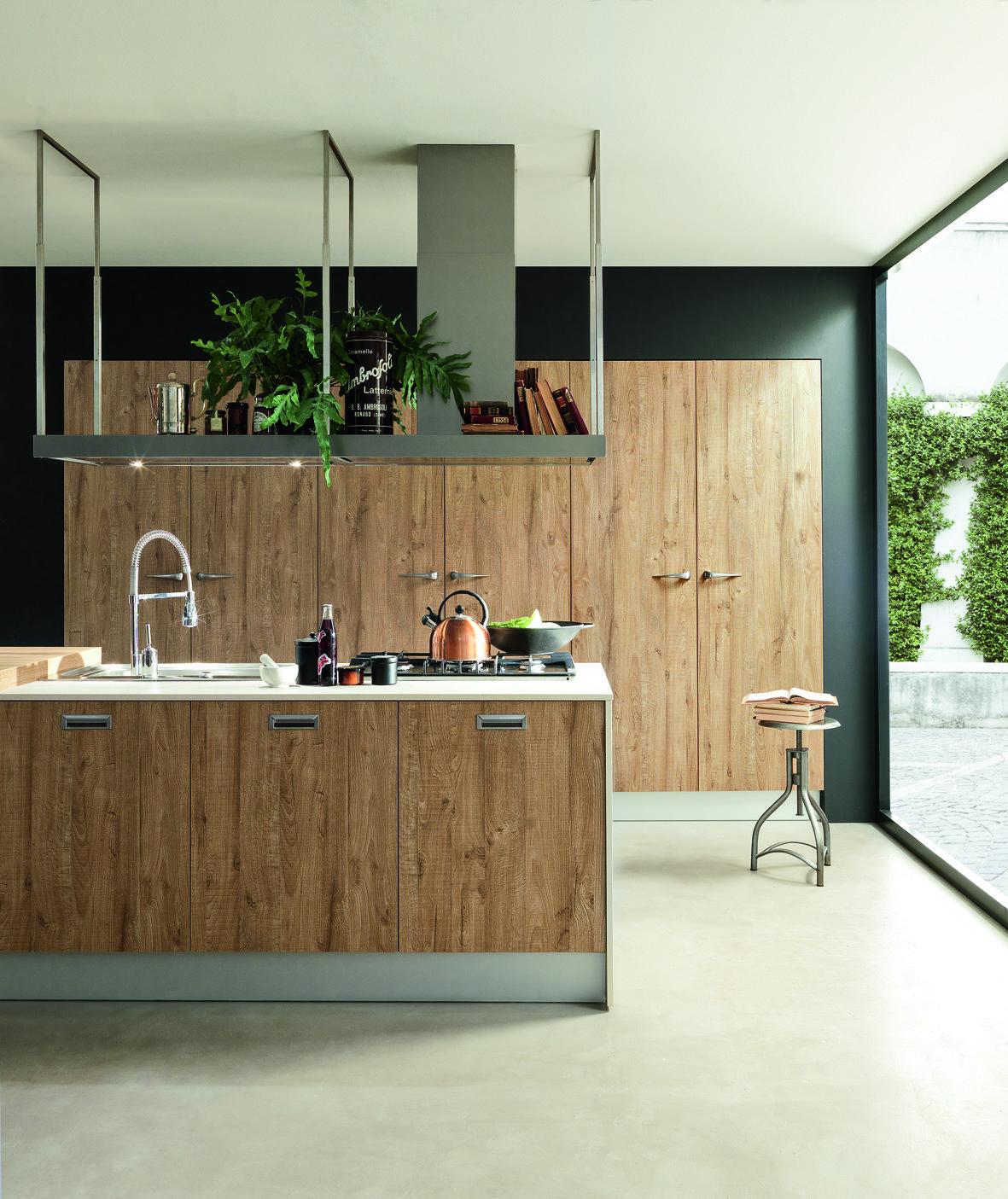 Cucine industrial style cose di casa for Cappa sospesa per isola