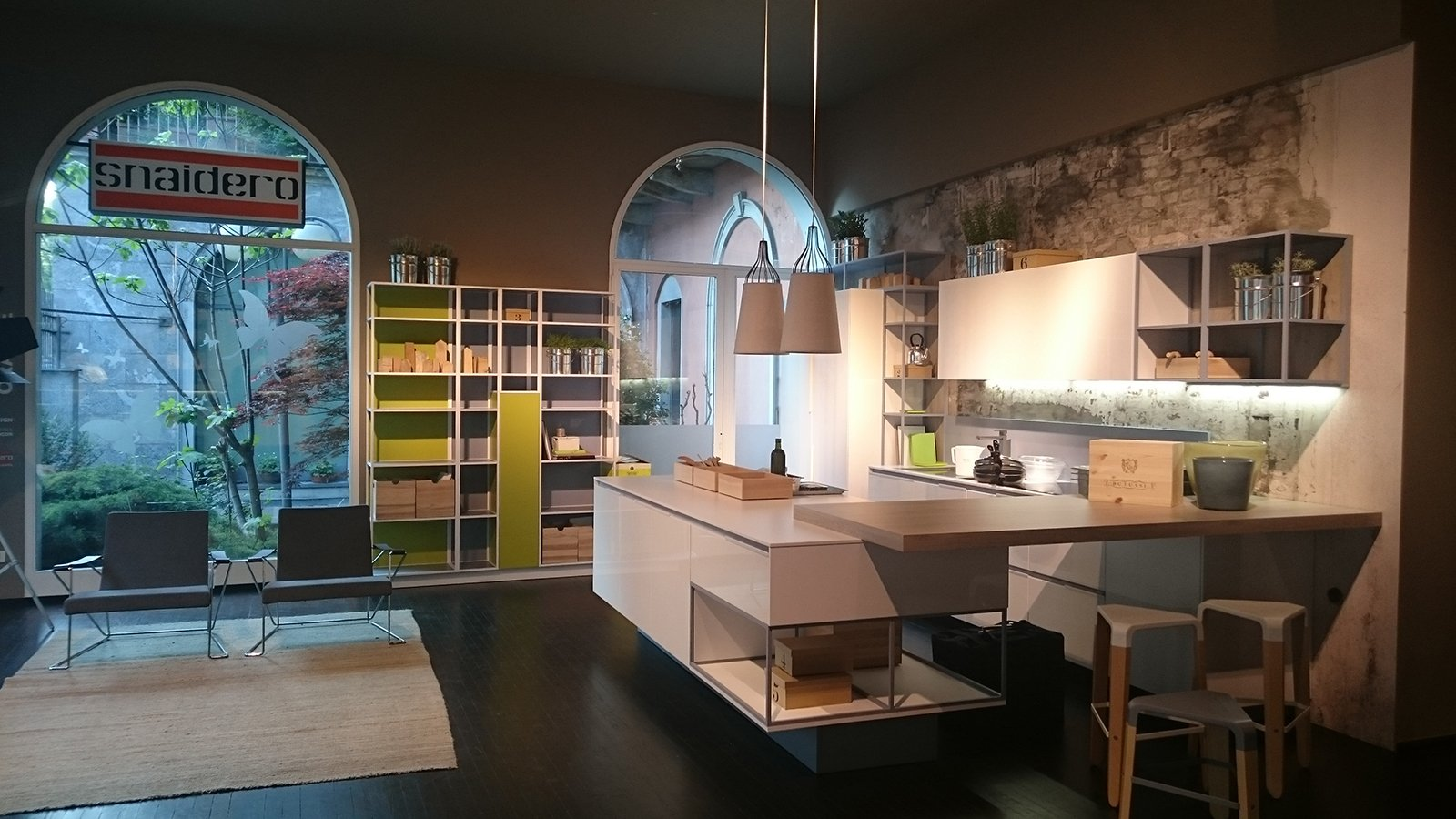Cucine in mostra al party design food di snaidero cose for Foto di loft arredati