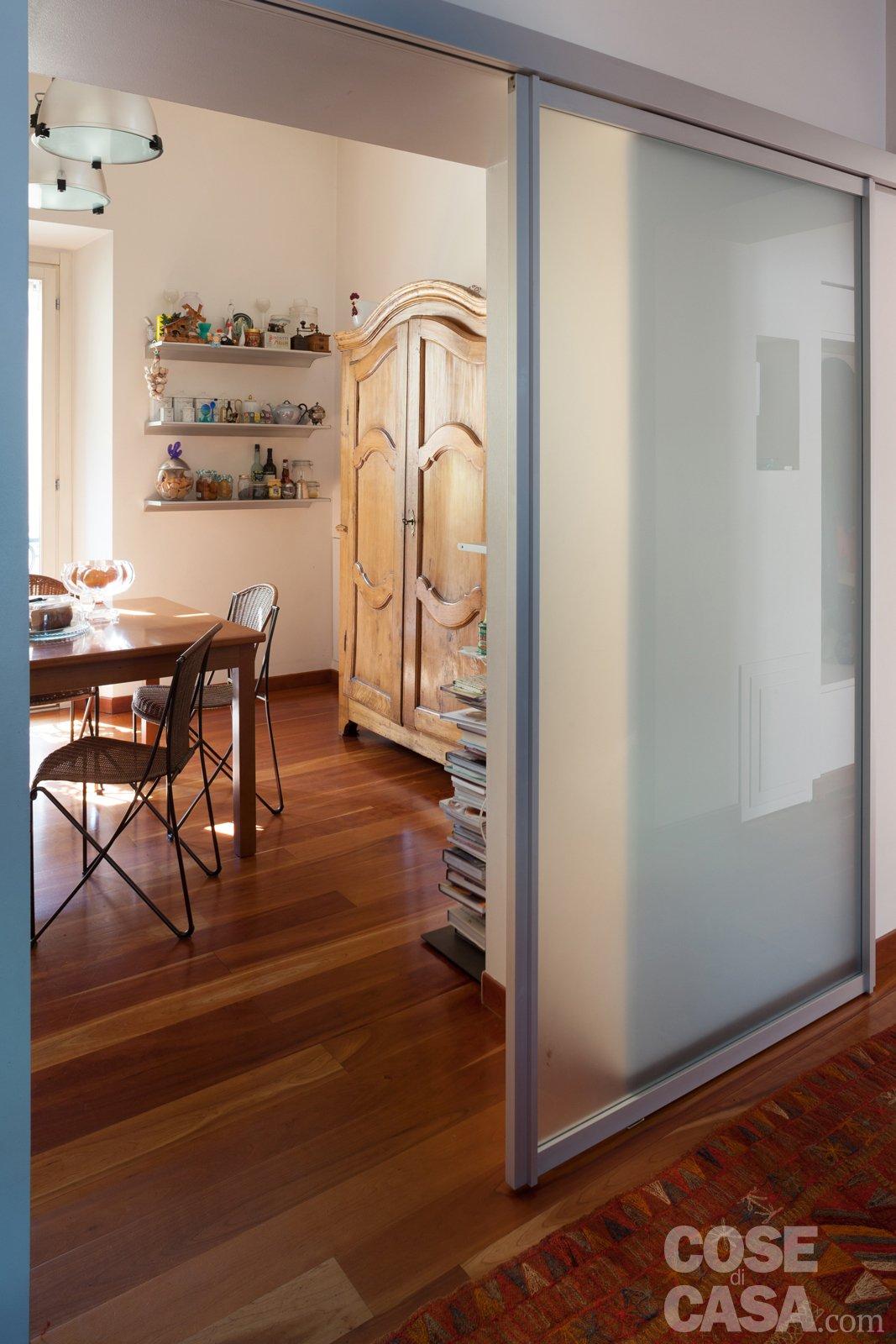 Porta Scorrevole Su Muro Portante 110 mq: nuovo taglio per la casa d'epoca - cose di casa