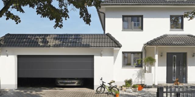 Porte d 39 ingresso e portoni per garage sicurezza estetica - Ingresso garage ...