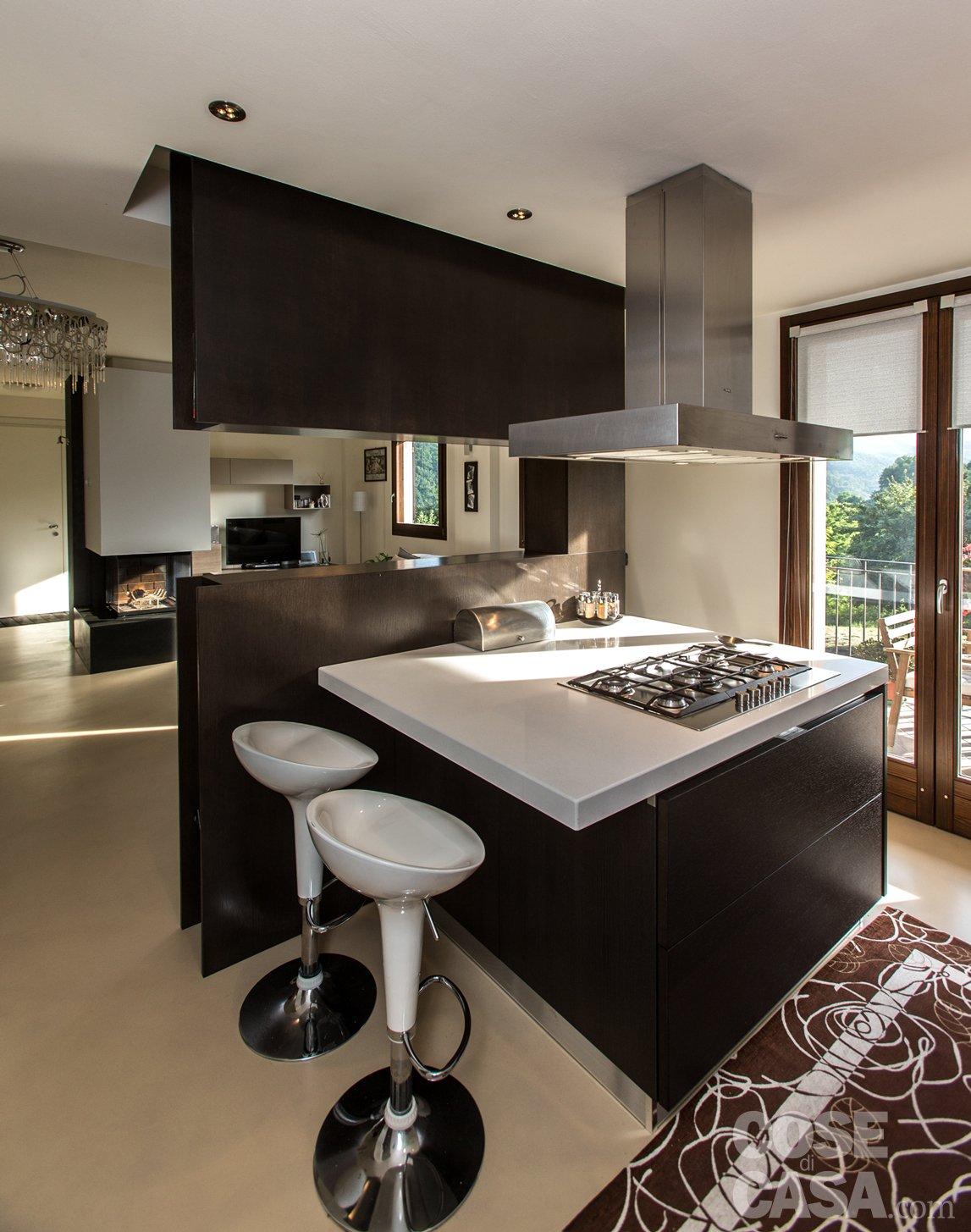 Una casa con zona giorno open space cose di casa for Arredo ingresso design