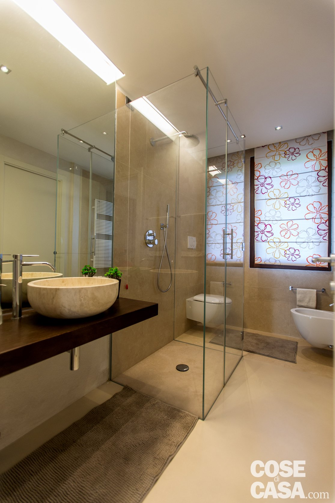 Una casa con zona giorno open space cose di casa - Scaldare il bagno elettricamente ...