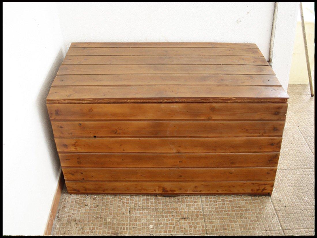 Cassapanca in legno da esterno per arredare il giardino for Leroy merlin contenitori