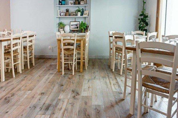Pavimento effetto legno in promozione le piastrelle in gres cose di casa - Piastrelle gres effetto legno prezzi ...