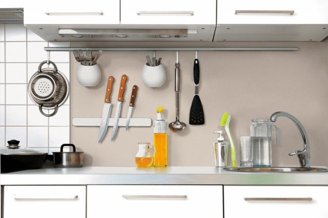 Rinnovare le pareti della cucina senza togliere le vecchie - Cucina senza piastrelle ...