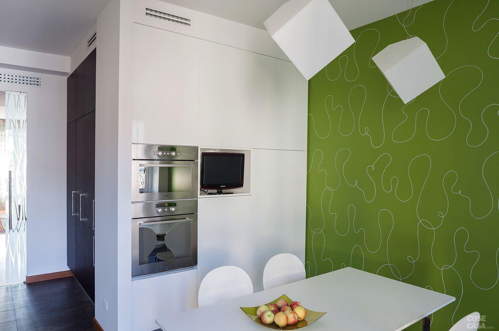 Una casa con passaggi ridimensionati e cucina più grande - Cose di ...