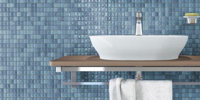 Lavabi d'appoggio su console per un bagno contemporaneo