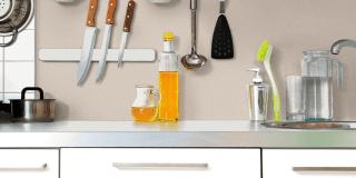 Rinnovare le pareti della cucina senza togliere le vecchie piastrelle