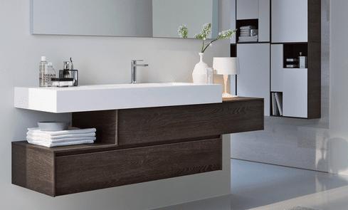 Ristrutturare il bagno dalle piastrelle allo - Altezza rivestimenti bagno ...