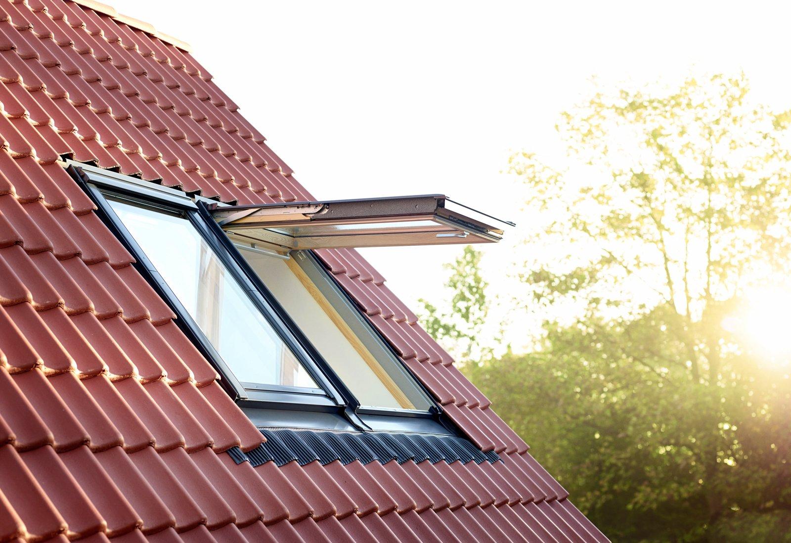 Finestra per tetti velux gpl cose di casa for Finestre velux gpl