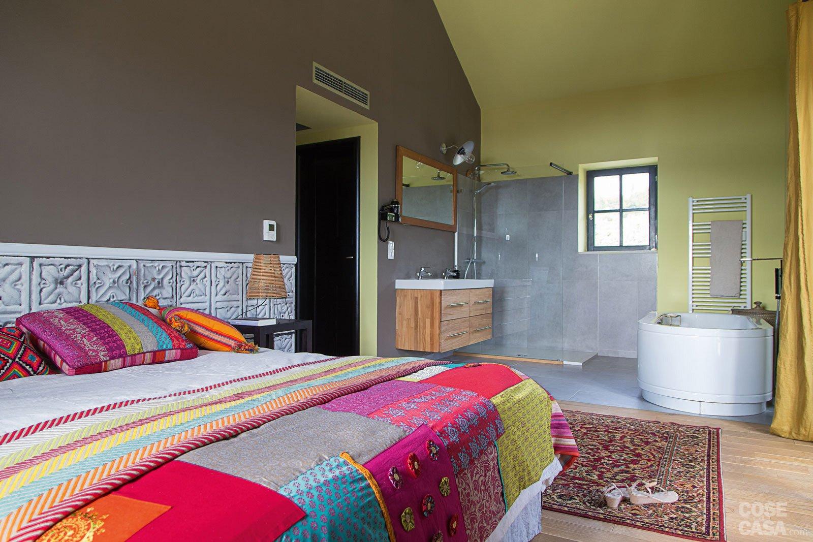 Barocco moderno - Esterno casa color tortora ...