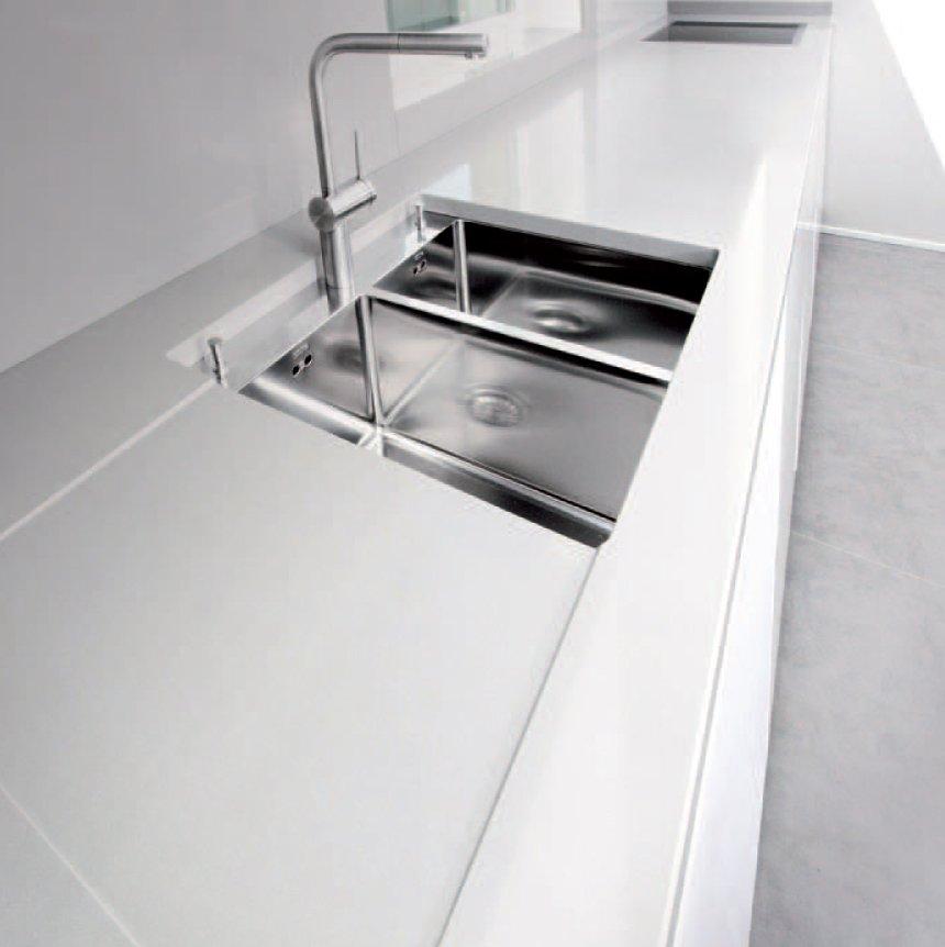 Marmo arredo invisible line cucina cose di casa for Marmo arredo