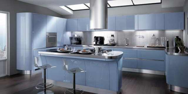 Soluzioni per la mansarda: arredo la cucina