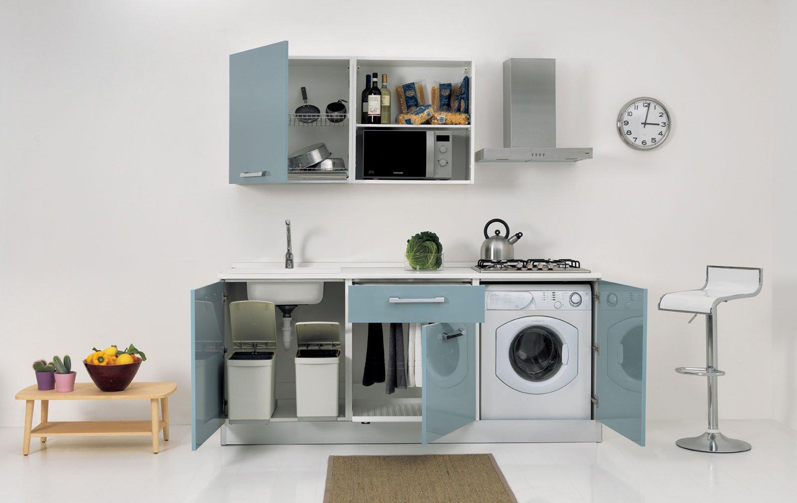 Cucine piccole composizioni compatte anche per il for Cucine piccole ad angolo moderne