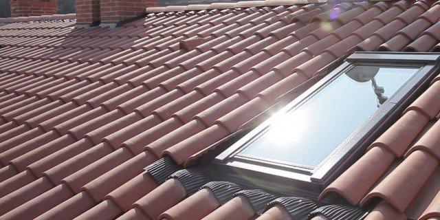 Finestre per tetti come scegliere il lucernario adatto for Finestre x tetti