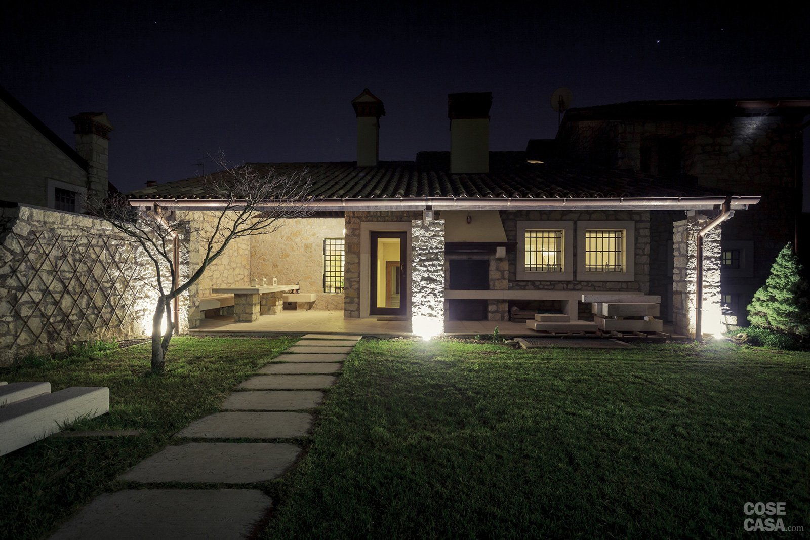 Una casa ristrutturata per il risparmio energetico cose for Illuminazione led casa esterno