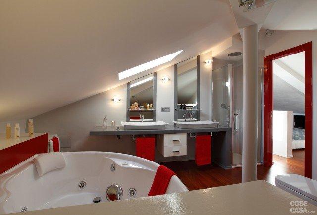 Bagno Con Idromassaggio Parquet Ed Archi Interior Design : Open space su due livelli sfruttando il sottotetto cose