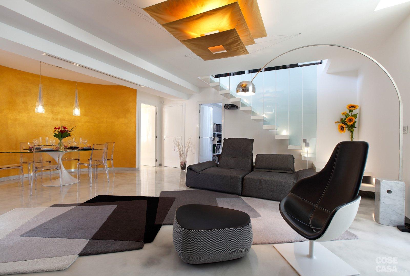 Open space su due livelli sfruttando il sottotetto cose for Aggiunte a casa su due livelli