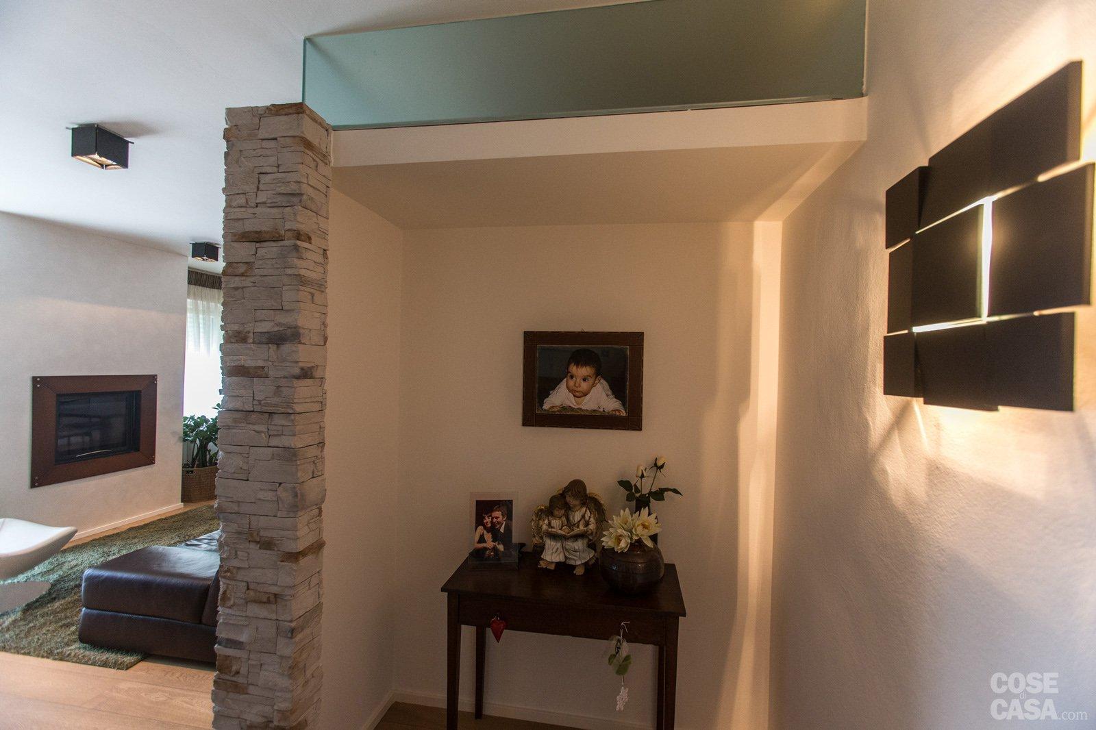 110 mq una casa con pareti d 39 effetto cose di casa for Stanza sopra il garage
