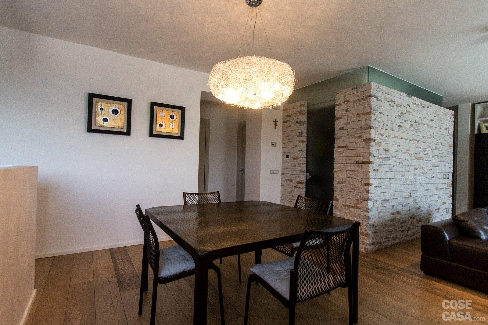 110 mq una casa con pareti d 39 effetto cose di casa for Parete pietra
