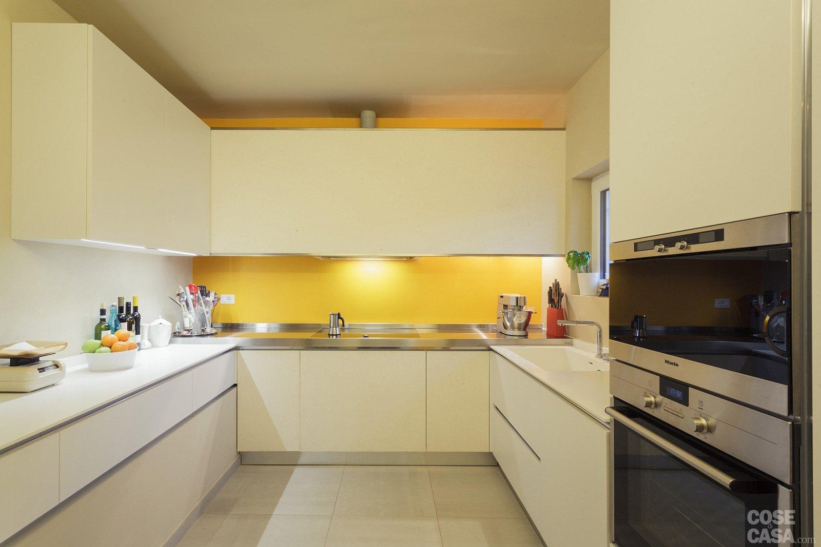 Una casa ristrutturata per il risparmio energetico cose - Resina in cucina al posto delle piastrelle ...