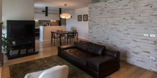 110 mq: una casa con pareti d'effetto