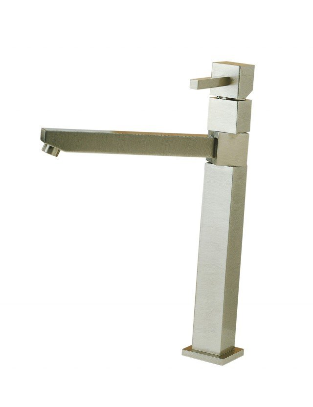 Il miscelatore Quadra di Treemme con bocca girevole è realizzato in ottone 35×35 mm, qui in versione nichel spazzolato. Prezzo535 euro. www.rubinetterie3m.it/