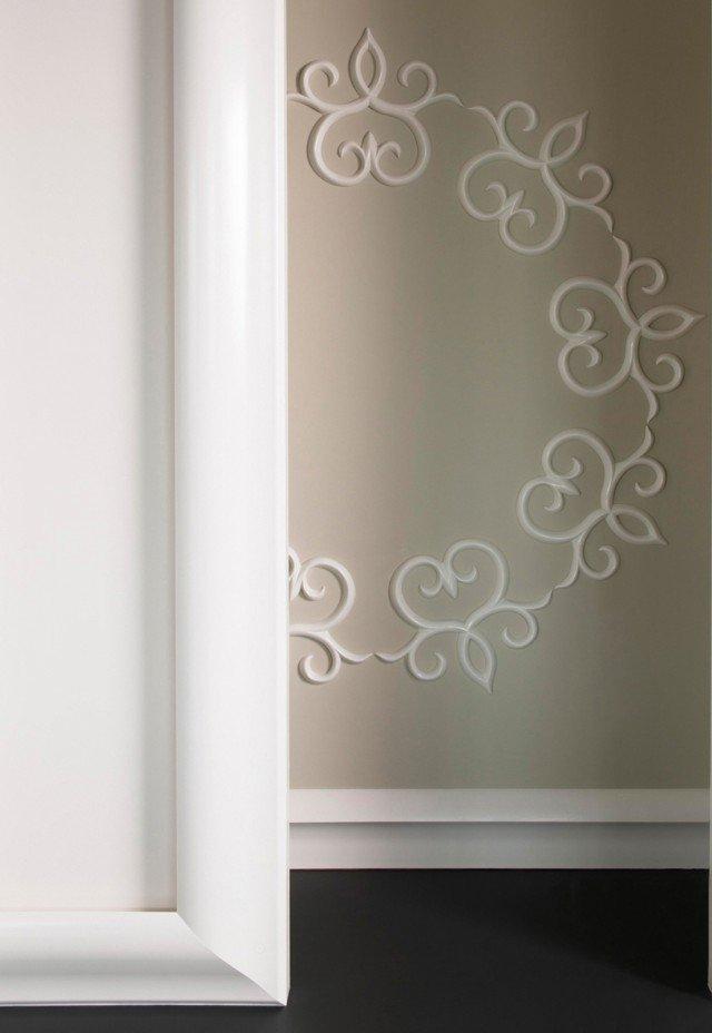 È in Purotouch®(polimero ad alta densità)il decoro da paretepretrattato Art. GT 71di Bianchi Leccoda verniciarecon prodotti a base d'acquao acrilici. www.bianchilecco.it