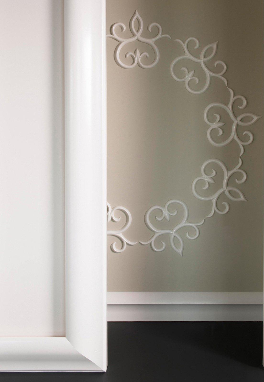 Decorare la parete con profili, fregi, stickers - Cose di Casa