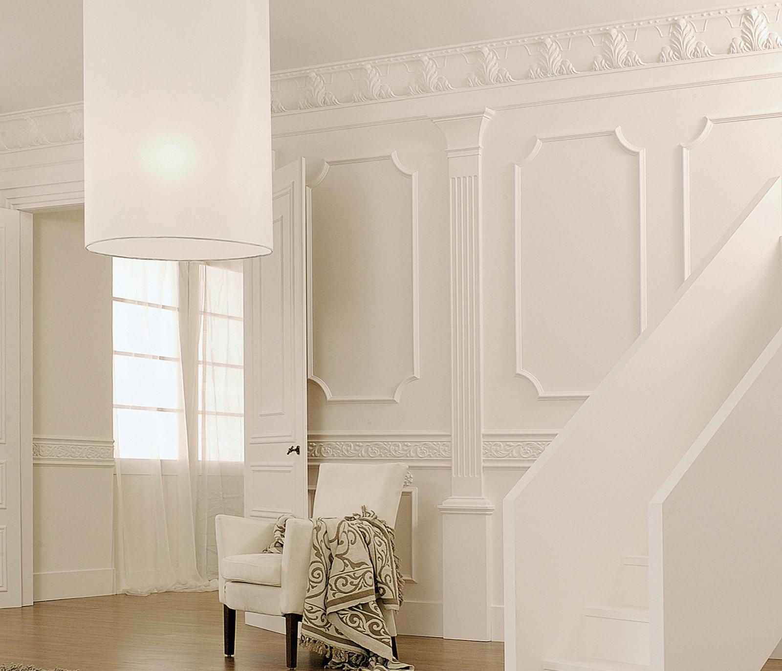 Decorare la parete con profili fregi stickers cose di casa for Cornice adesiva per pareti