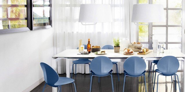 Arredare la zona pranzo tavolo sedie servizi di piatti for Airport one calligaris