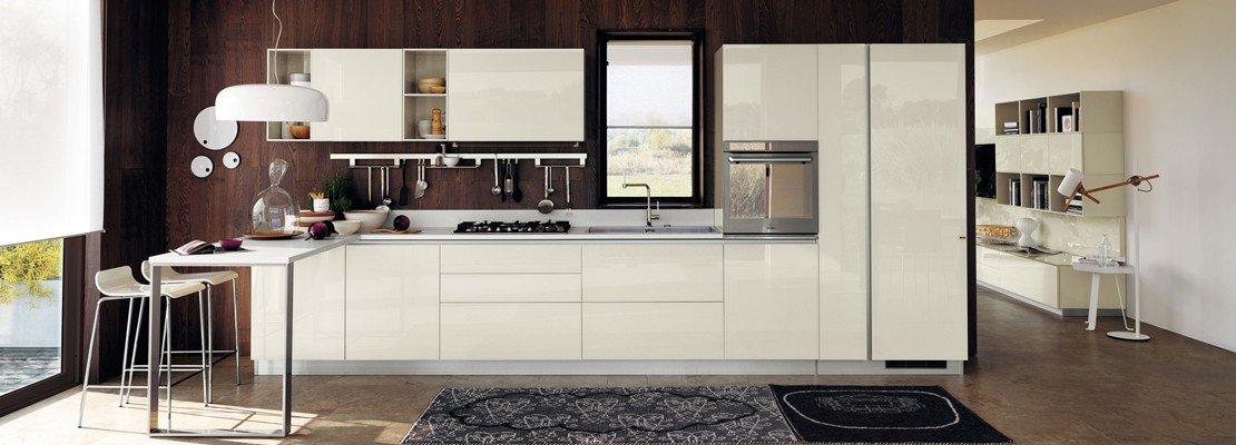 Tanto bianco e la cucina raddoppia visivamente   cose di casa