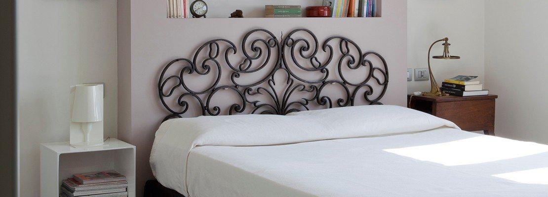 Recupero creativo da cancello in ferro battuto a testiera - Testiera letto originale ...