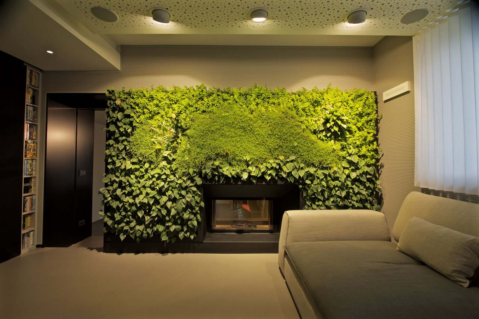 Arredare con le piante una parete verde in casa - Decorare una parete di casa ...
