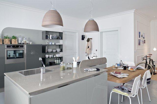 Cucine a isola con bancone snack o tavolo cose di casa - Piano in quarzo veneta cucine ...