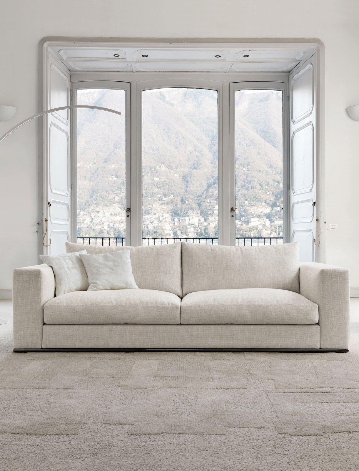 Divani piccoli a due o tre posti design per il relax for Offerte divani tre posti