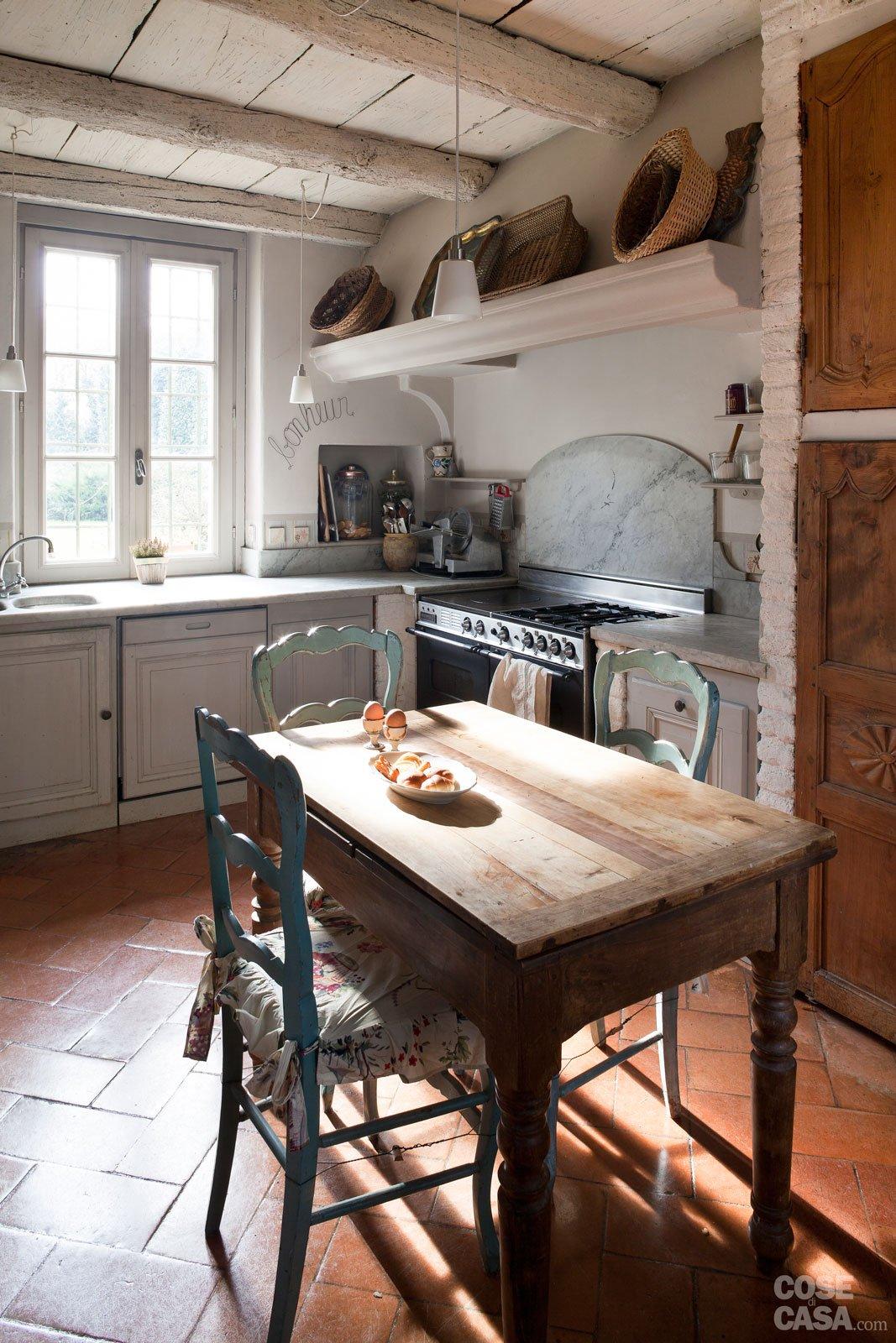 Da cascina a casa chic con travi a vista e soffitti spioventi - Cose di Casa