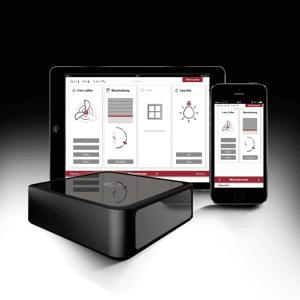 Dispositivo domotico SmartWindow per il comando centralizzato di aperture e impianti via tablet e smartphone